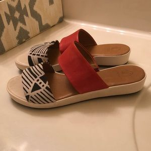 Coclico Leather Size 38 Red Geometric Slide Sandal